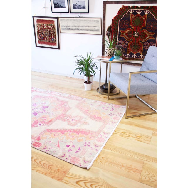 Vintage Western Anatolian Oushak Wool Turkish Area Rug For Sale In Houston - Image 6 of 13