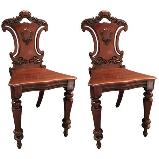 English Mahogany Carved Pair of Hall Chairs, 19th Century For Sale
