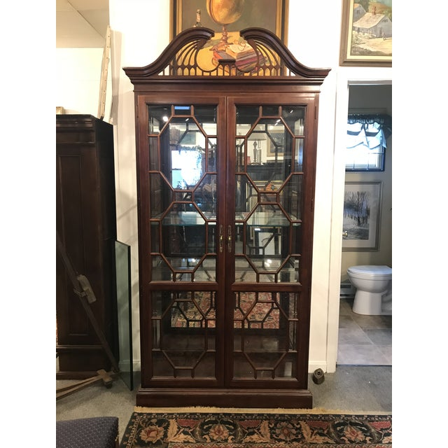Traditional Traditional Mirror Back China Cabinet For Sale - Image 3 of 9