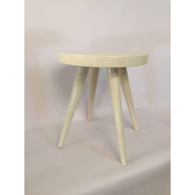 Mid-Century Modern Pair of Modern White Lacquered Stools in the Manner of Charlotte Perriand For Sale - Image 3 of 8