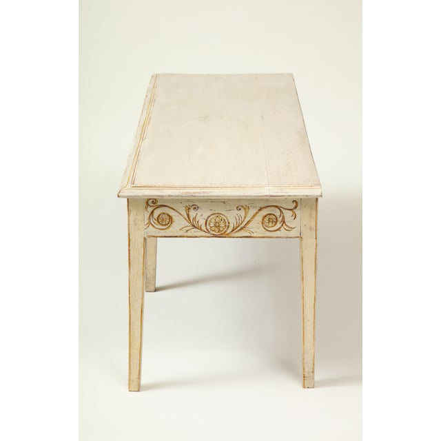 Neoclassical Colefax & Fowler Long Ivory-Painted Hall Bench For Sale - Image 3 of 10