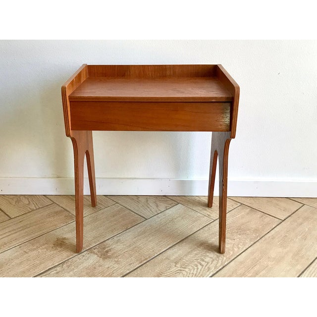 1960s Mid Century Modern Small Side Table Nightstand For Sale - Image 4 of 11