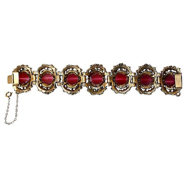Early 20th Century Fuchsia Thermoset Bracelet & Earrings For Sale - Image 5 of 7