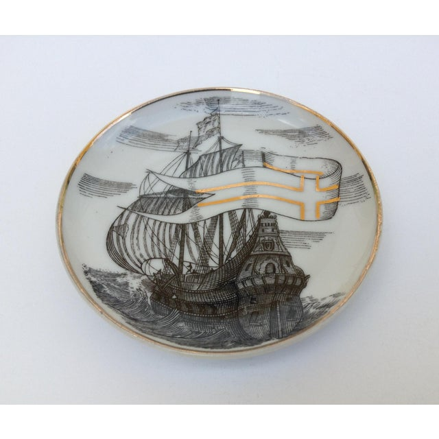 "Ceramic Fornasetti Attr. Tall Ships ""Velieri"" Coasters - Set of 4 For Sale - Image 7 of 11"