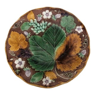 19th Century Majolica Strawberry Plate Wedgwood For Sale