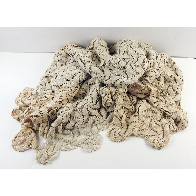 French Hand Crocheted Ecru Pin Wheel Pattern Table Cloth or Bedspread For Sale - Image 3 of 9