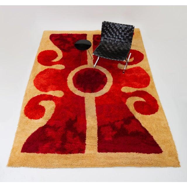 Mid-Century Modern 1960s Scandinavian Modern Op Art Shag Area Rug - 8′1″ × 11′5″ For Sale - Image 3 of 8