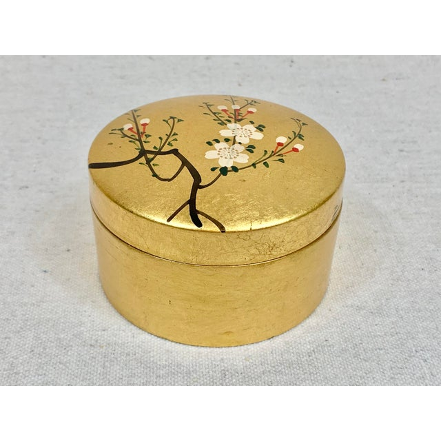 Chinoiserie Vintage Japanese Set of Lacquered Gold Coasters With Box For Sale - Image 3 of 11