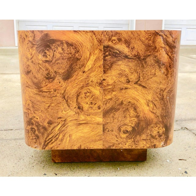 Milo Baughman Burl Wood End Table or Coffee Table For Sale In Philadelphia - Image 6 of 7