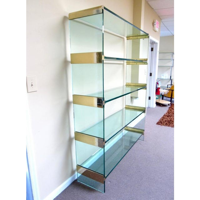 Mid-Century Modern Pace Collection Style Brass and Glass Display Etagere after Leon Rosen For Sale - Image 3 of 8