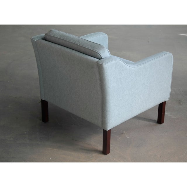 Børge Mogensen Model 2421 Style Danish Lounge Chairs in Cornflower Blue Wool For Sale In New York - Image 6 of 13