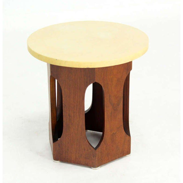 Very nice mid-century modern side table in style of Harvey Probber