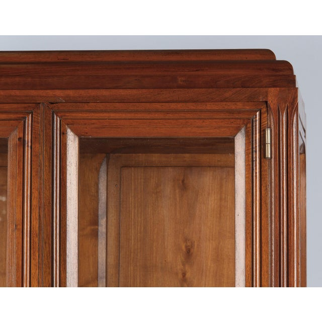 1930s Art Deco Walnut Vitrine/Display Cabinet For Sale - Image 10 of 13