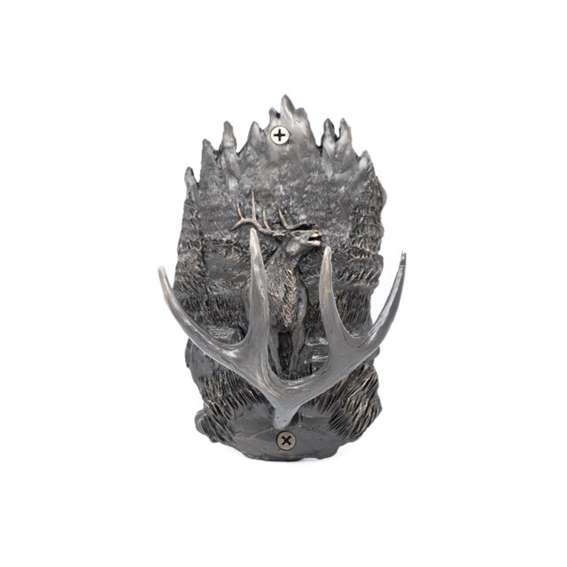 This Scenic Elk Antler hook is a perfect companion to our wildlife series of knobs, pulls, handles and drapery posts. Feel...