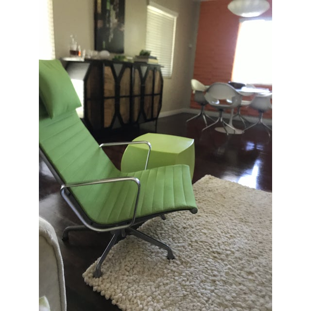 Charles Eames Eames Aluminum Chair For Sale - Image 4 of 13
