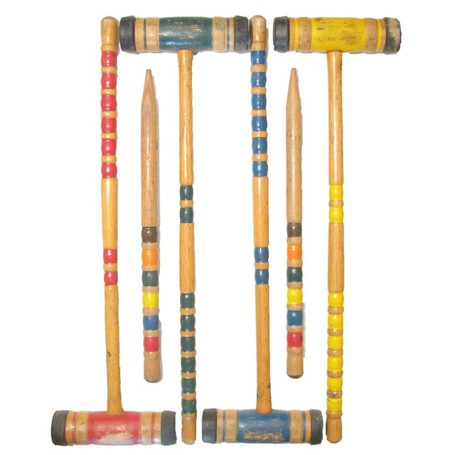 Rev up your summer fun with this old-school lawn croquet game. The set consists of four mallets, four balls, two stakes,...