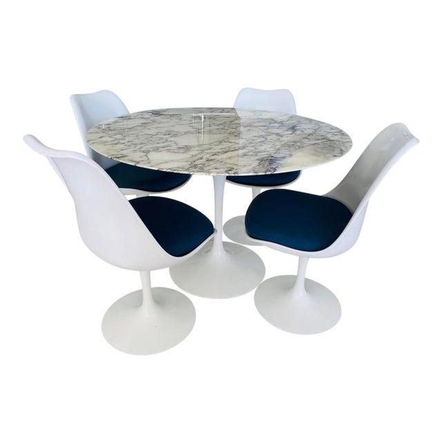 Mid-Century Modern Saarinen Dining Set - 5 Pieces For Sale