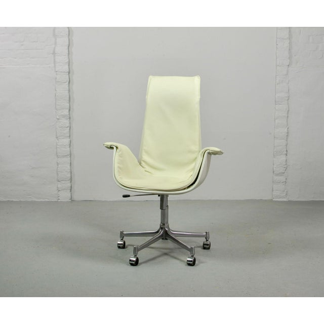 Animal Skin Mid-Century Modern Design White Leather High Back 'Bird' Desk Chair by Preben Fabricius for Alfred Kill International, 1960s For Sale - Image 7 of 13