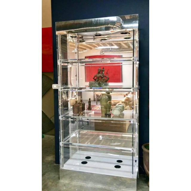 White Mid-Century Modern Lucite Display China Storage Display Curio Etagere For Sale - Image 8 of 8