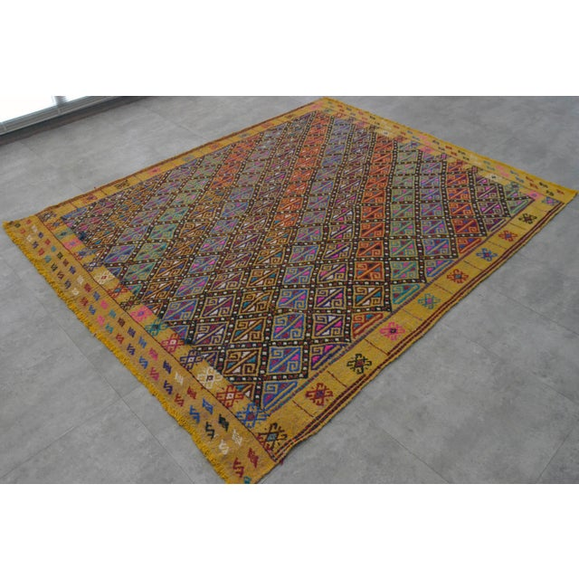 """Braided jajim kilim rug, from Oushak City Turkey. Approximately 50-60 years old. Material : wool on wool Dimensions: 65"""" x..."""