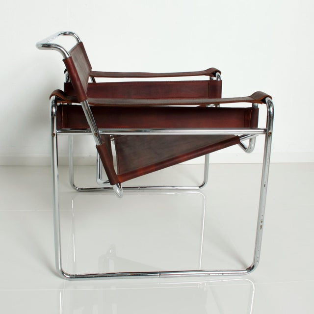 Brown Pair of Marcel Breuer Wassily Chairs for Gavina, Mid Century Modern Italy For Sale - Image 8 of 11