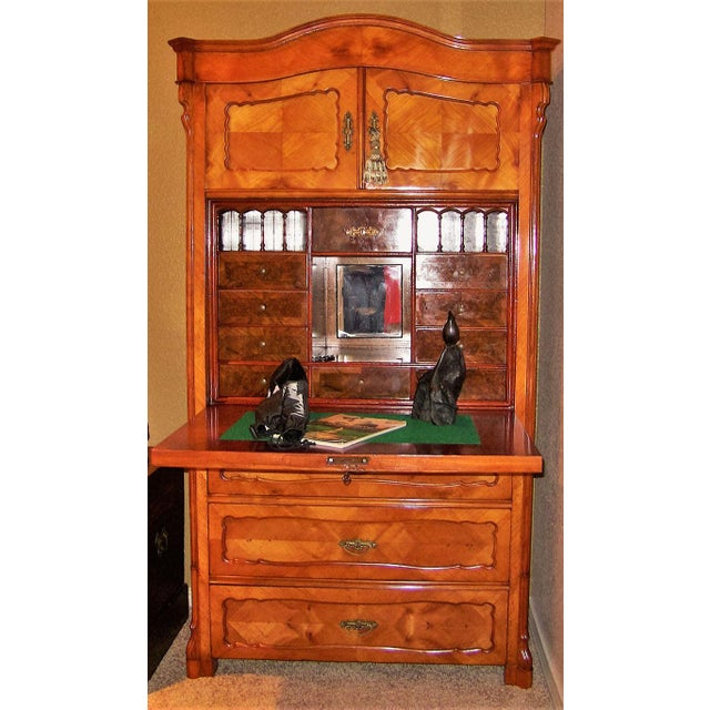 19c French Louis Philippe Yew Wood Secretaire with Secret Drawers For Sale In Dallas - Image 6 of 10