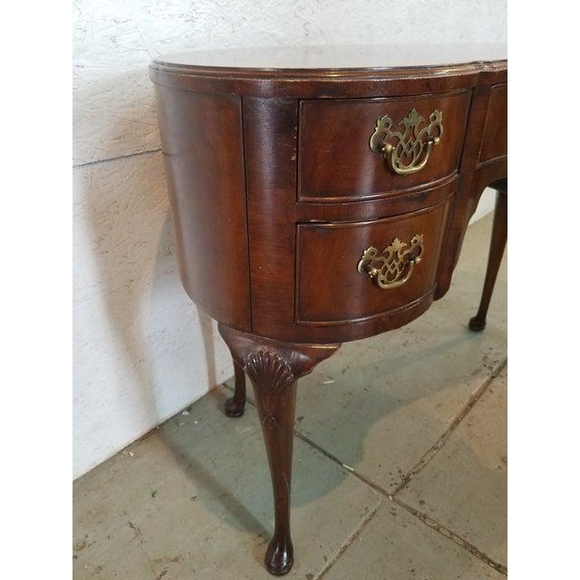 Waldorf Astoria Henredon Kidney Shaped Desk For Sale In Washington DC - Image 6 of 7