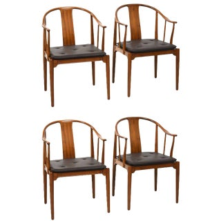 Hans J. Wegner China Chairs for Fritz Hansen, Set of Four, Circa 1944 For Sale