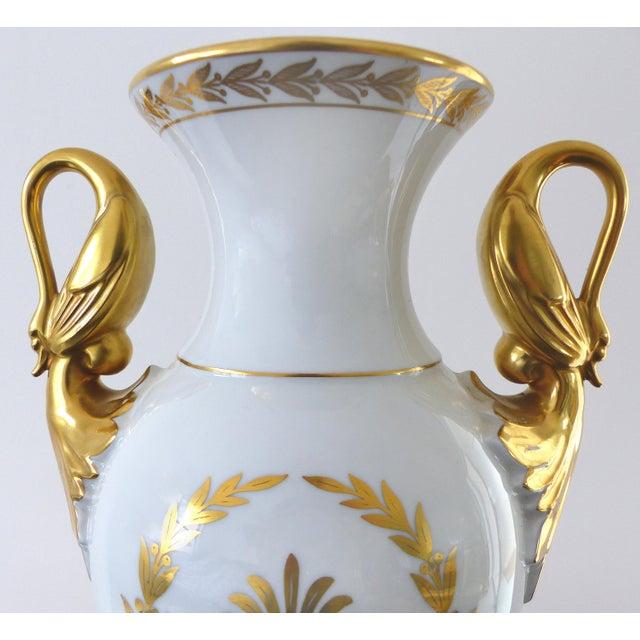 European Porcelain Swan Handle Urn - Image 5 of 11