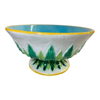 "Early 19th Century Large White and Turquoise Blue Majolica Bowl With ""Acanthus"" Leaf Accents by George Jones For Sale"