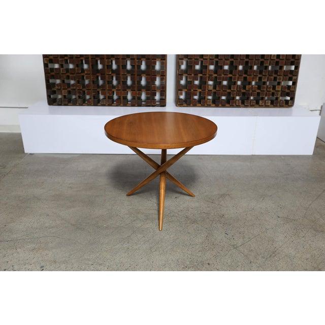Walnut Mid-Century Modern t.h. Robsjohn-Gibbings for Widdicomb Walnut Side Table For Sale - Image 7 of 8