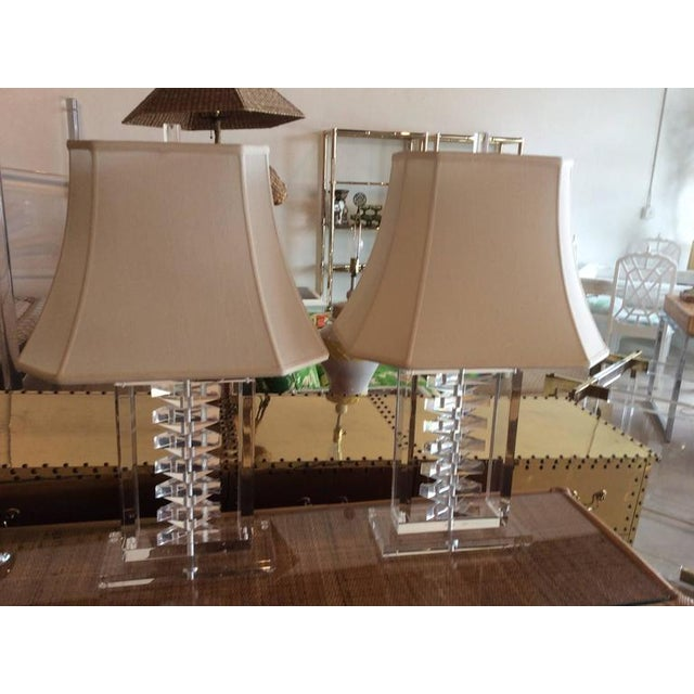 Karl Springer Hollywood Regency Lucite Stacked Table Lamps - a Pair For Sale - Image 4 of 11