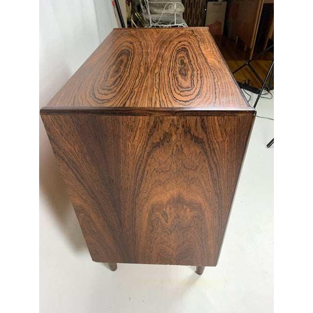 1960s Vintage Borge Seindal Four Drawer Rosewood Gentleman's Chest For Sale In New York - Image 6 of 11