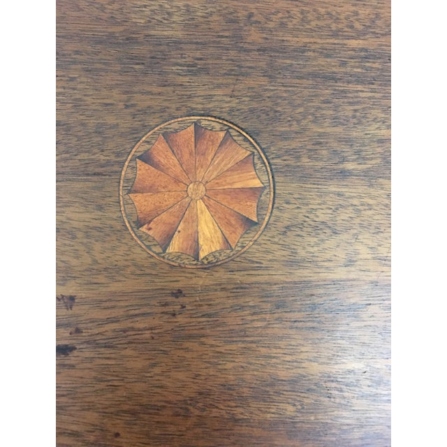 Brown Table - 19th Century Traditional Walnut Tilt Top Table For Sale - Image 8 of 9