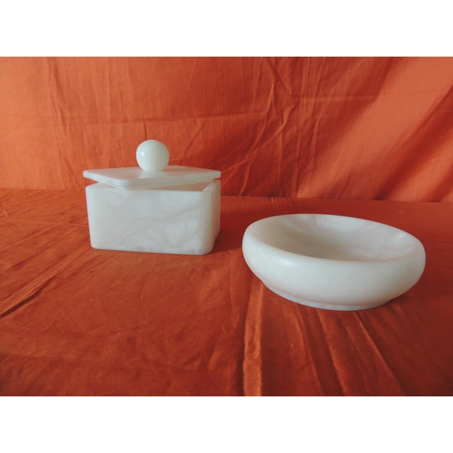 Set of Covered Box and Round Dish Italian Alabaster Decorative Accessories For Sale - Image 4 of 5
