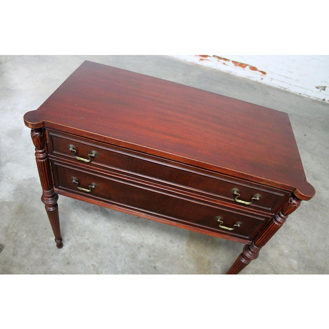 Classic Sheraton Federal Style Mahogany Server in the manor of Salem Cabinetmakers For Sale - Image 10 of 11