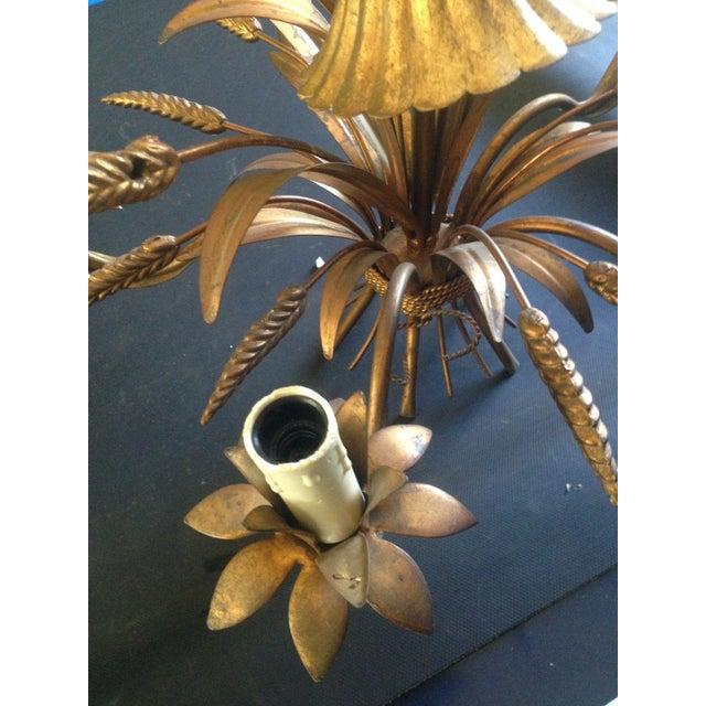 Maison Baguès 1950's Maison Bagues Antiqued Gilt Tole 5 Light Sheaf of Wheat Chandelier For Sale - Image 4 of 11