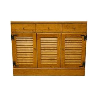 "20th Century Early American Ethan Allen Heirloom Nutmeg Maple Crp 40"" Shutter Door Buffet For Sale"