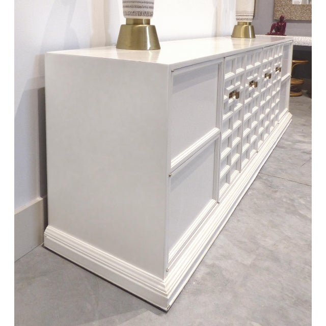Art Deco 1950s Hollywood Regency White Oversized Credenza/Buffet For Sale - Image 3 of 13