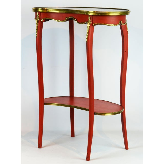French Provincial French Provincial Painted & Bronze-Mounted Kidney Shape Accent Table For Sale - Image 3 of 12