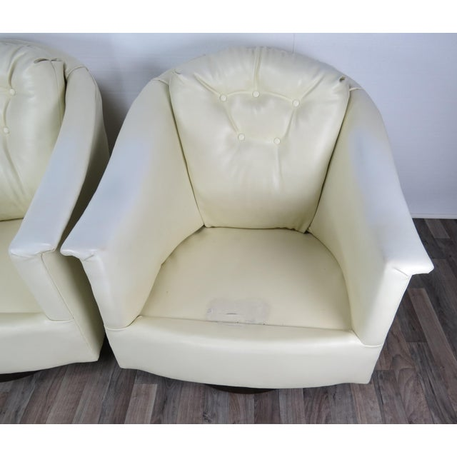 1970s Mid-Century Modern White Vinyl Swivel Chairs - a Pair For Sale - Image 9 of 13