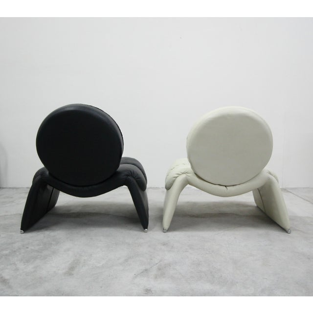 1970s Pair of Black and White Vintage Leather Italian Lounge Chairs For Sale - Image 5 of 10