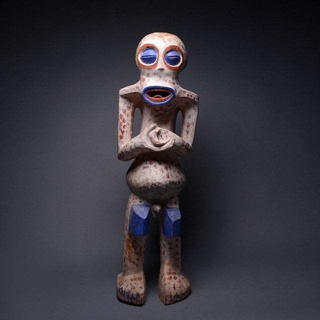 1950s Bangwa Wooden Polychrome Sculpture For Sale - Image 5 of 5