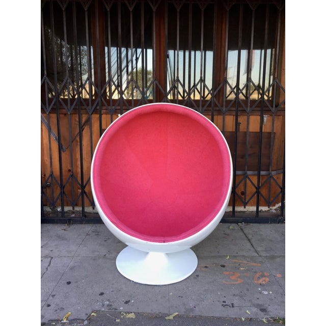 Textile Mid Century Modern Egg Chair For Sale - Image 7 of 13