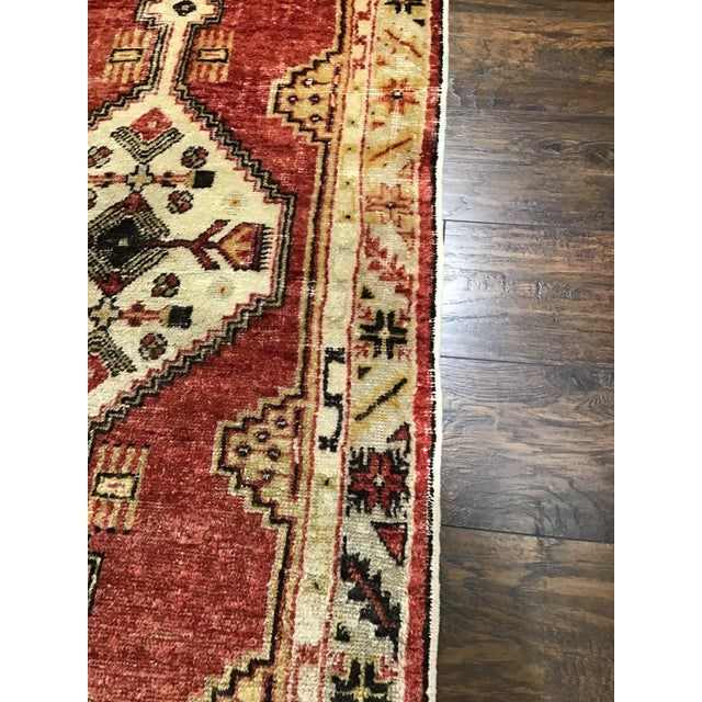 Late 20th Century Late 20th Century Vintage Turkish Rug- 2′8″ × 4′9″ For Sale - Image 5 of 8