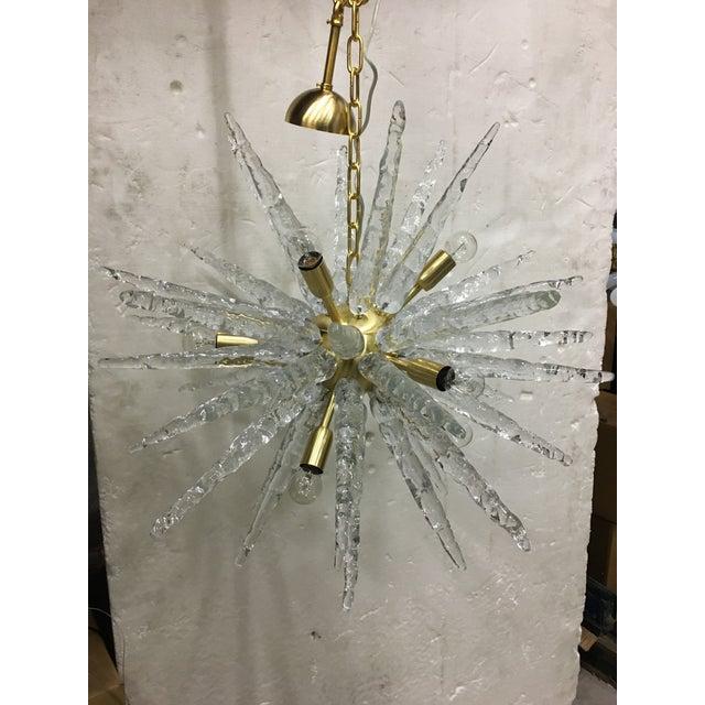 Mid-Century Modern Murano Glass Sputnik Metal Frame Gold Brushed Chandelier For Sale - Image 3 of 12