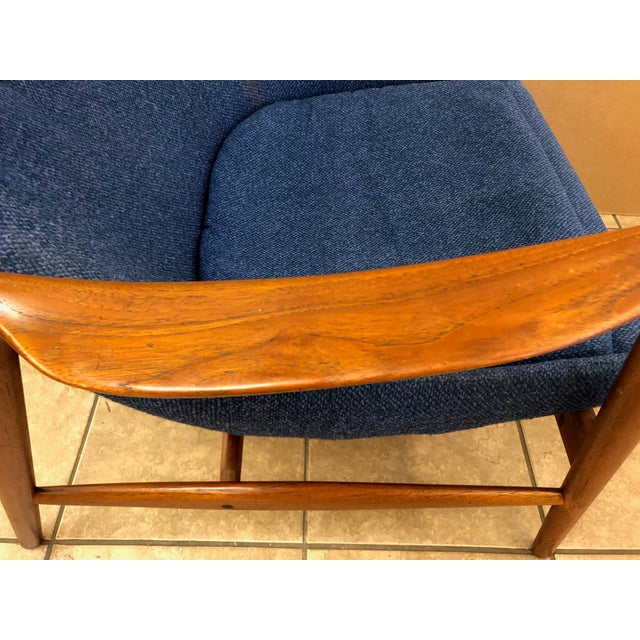 Fabric Danish Mid-Century Modern Lounge Chair For Sale - Image 7 of 8