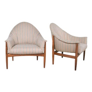 Pair Mid Century Modern Petite Tub Chairs Attributed to Thayer Coggin For Sale