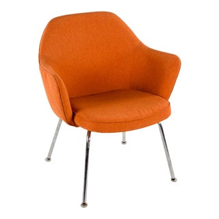 Mid-Century Modern Saarinen for Knoll Executive Orange Arm Chair For Sale
