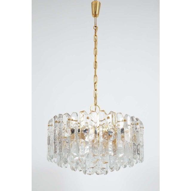 J.T. Kalmar J.T. Kalmar Gold Brass Tiered Crystal Glass Chandelier Palazzo Lamp, circa 1960 For Sale - Image 4 of 10